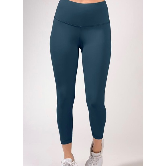 Yogalicious Pants - Yogalicious crop leggings